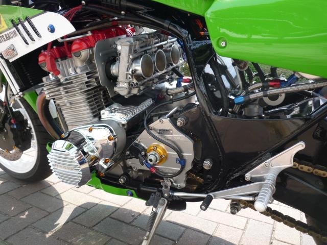 UP ! - Page 4 Kawasaki%2BZ1%2Bby%2BWorks%2BSports%2BRacing%2B03