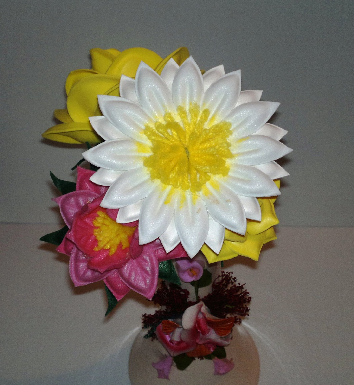 Flores en foami manualidades - Imagui