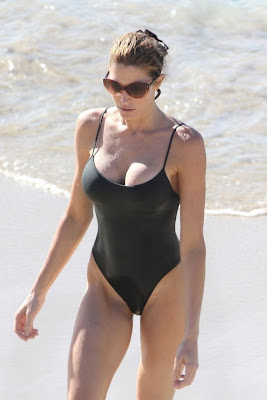 Stephanie-Seymour-Swimsuit
