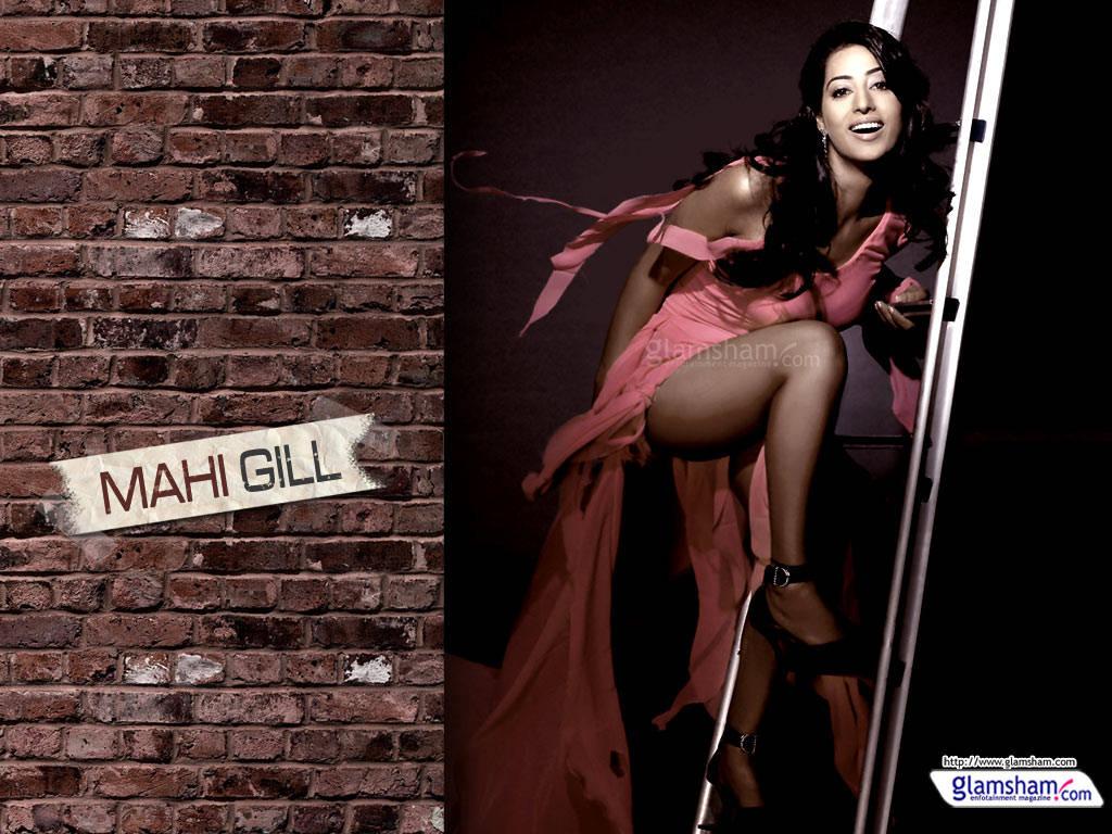 http://2.bp.blogspot.com/-V-b274GkTHI/Tio1eIkS91I/AAAAAAAACLU/XWFgzsgrbdg/s1600/Mahi+Gill+Wallpapers+-+Bold+Beauty+of+Bollywood+%25282%2529.jpg