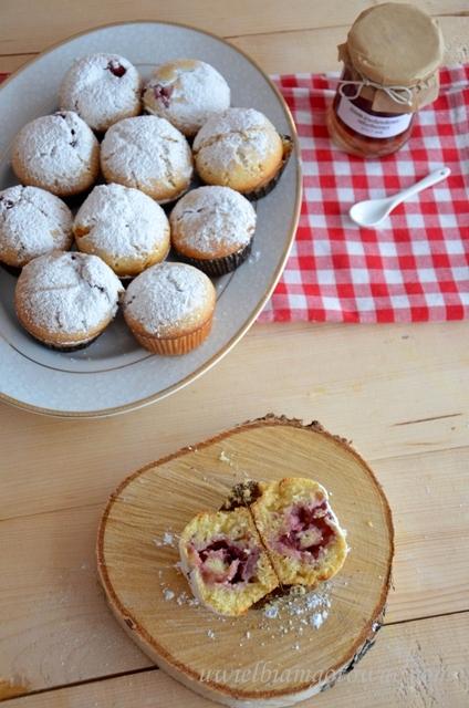 Muffinki nadziane dżemem