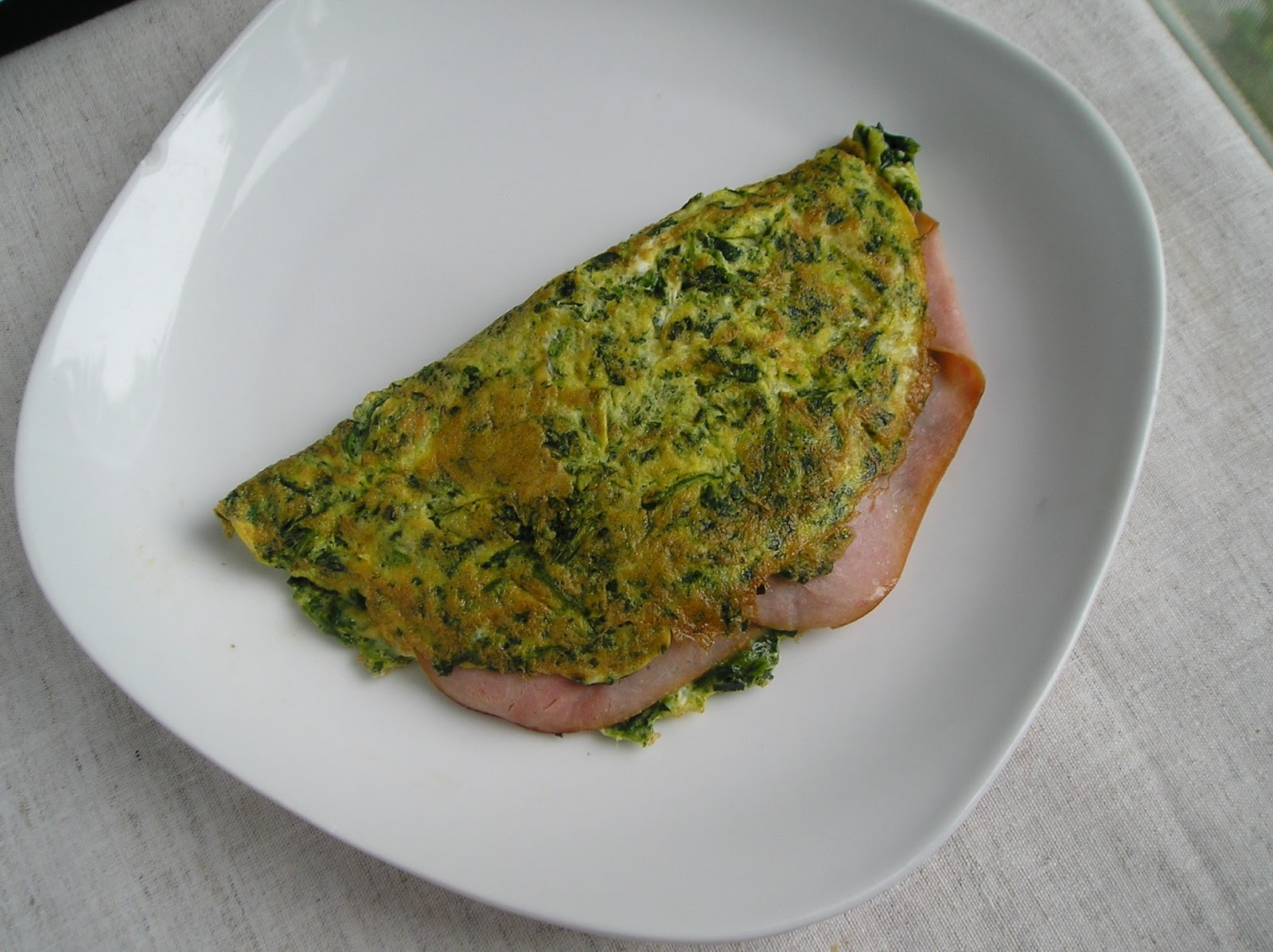 Green Eggs and Ham Omelet ~ Edesia's Notebook