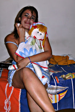 Também gosto de brincar...Uma criança crescida que ama bonecas de pano!!!Essa é a minha Maria Clara