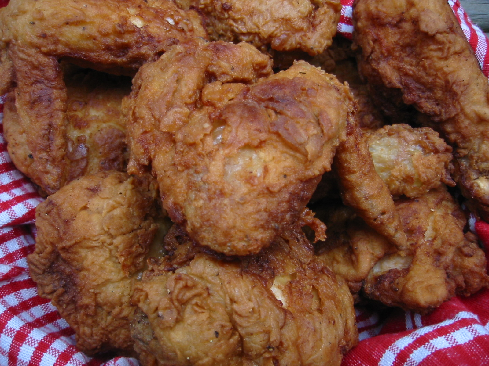 Sizzling Southern Fried Chicken with Champagne - a perfect supper with ...