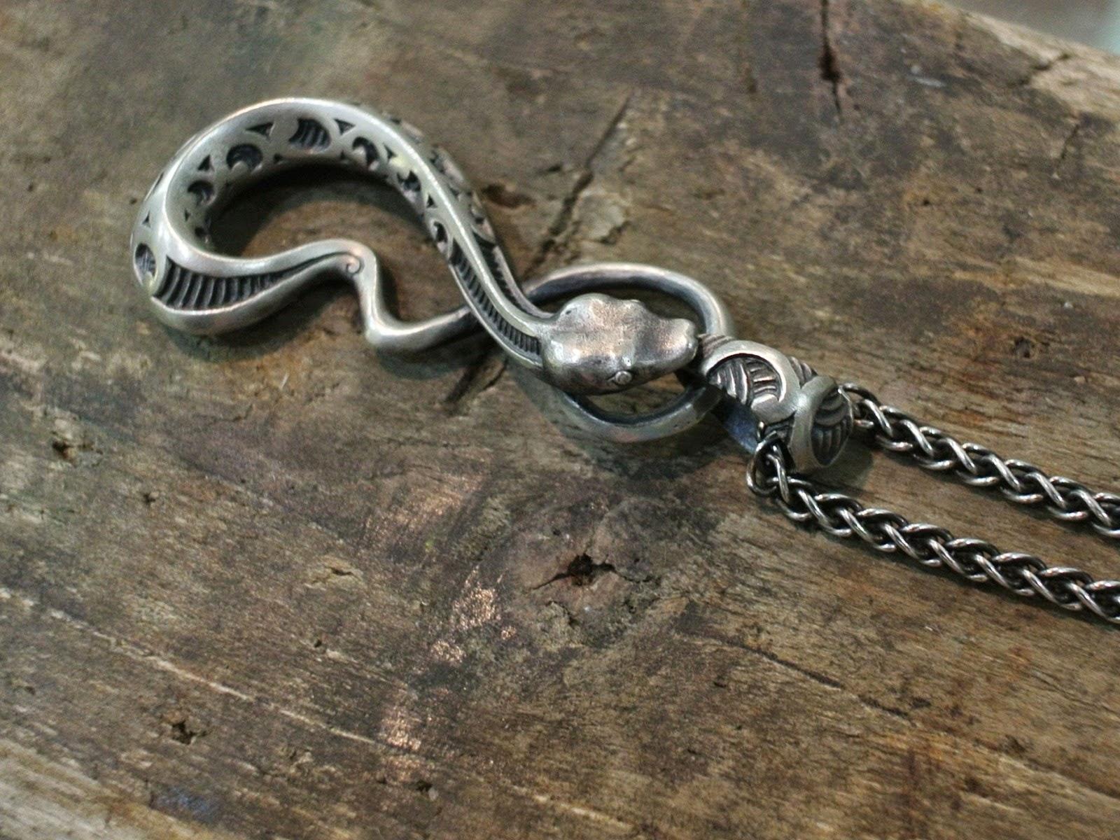 Dual Flow - Maori Snake