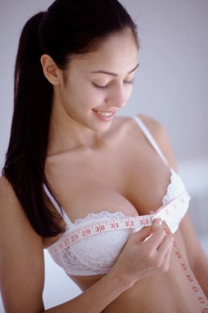 ����� ����� ����� ������ ������ ���� woman_measuring_breast.jpg