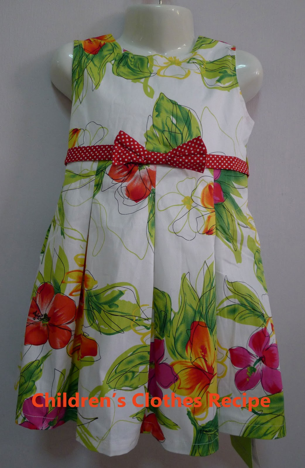 Girl\'s Dress (DR02 Collection)