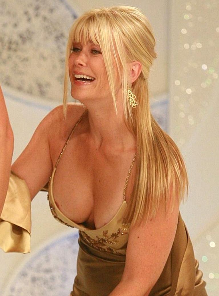 Youn girl julia sweeney nude