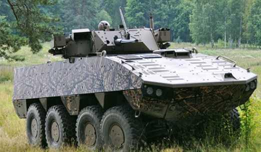 Kendaraan Lapis Baja Patria AMV terbaru Menanti Kontrak Pertama
