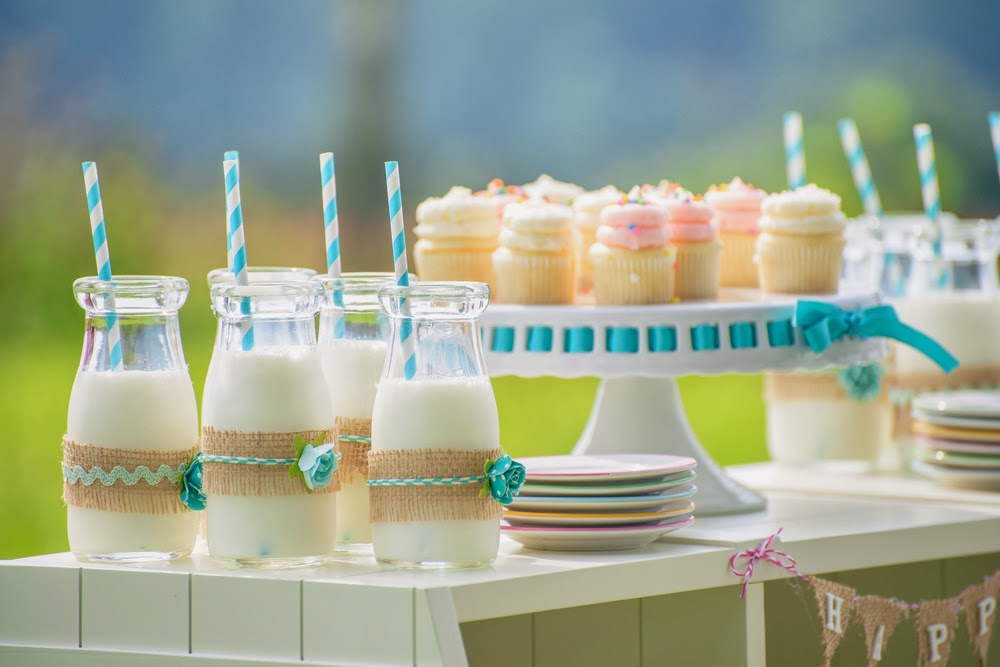 Baby shower dessert tables baby shower ideas themes for Baby shower decoration ideas for twin girls