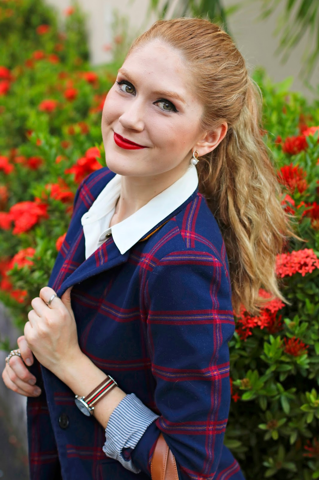 A plaid blazer is a great way to add some holiday flair to your work outfits!