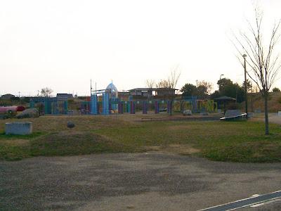 大阪府・深北緑地ウォーキング ロケット広場