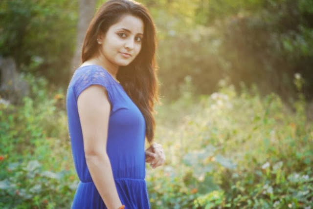 Actress Bhama Cute HD Wallpapers