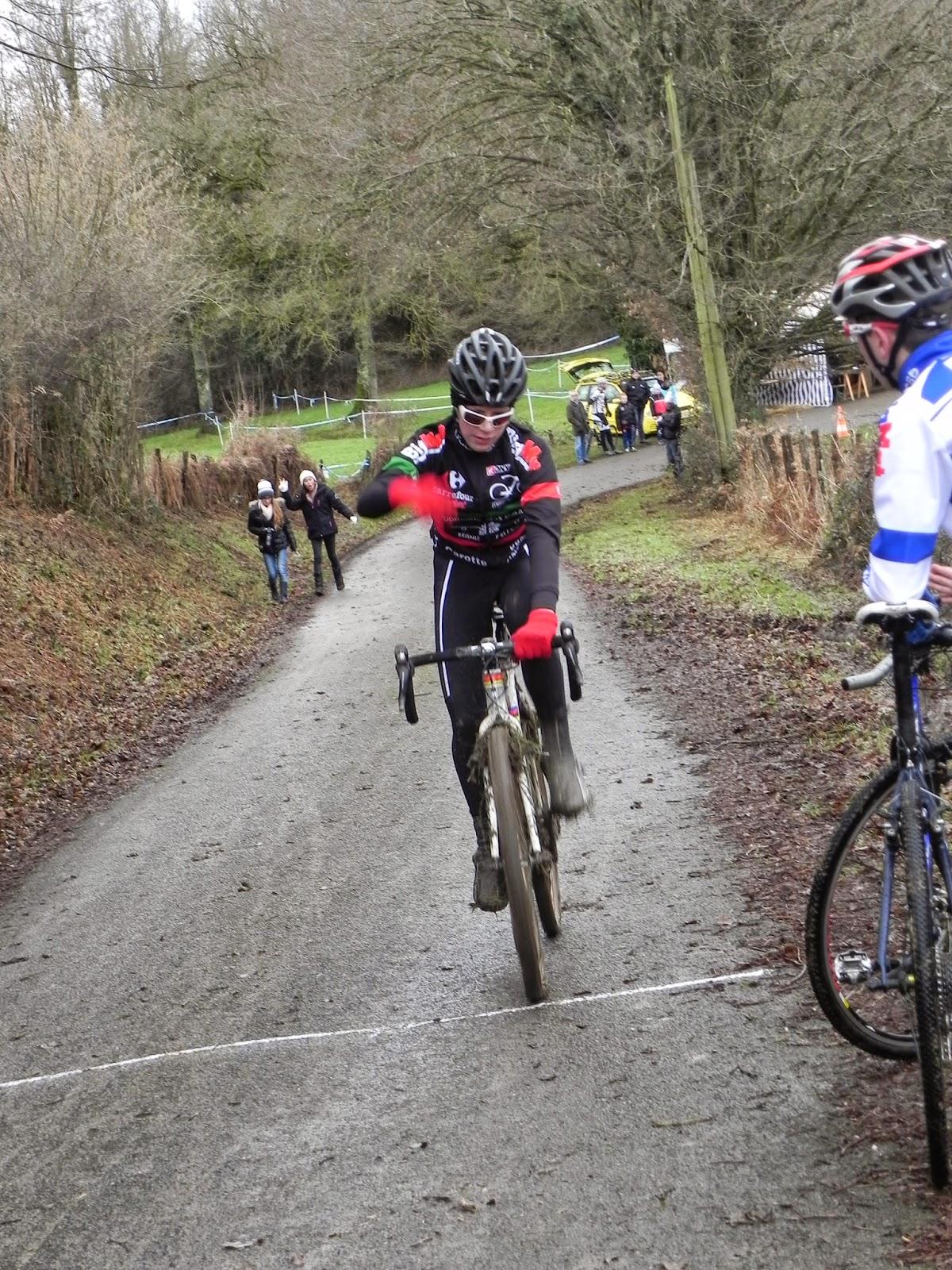 Union cycliste bellevilloise ucb r sultat du weekend for Garage peugeot paris nice belleville