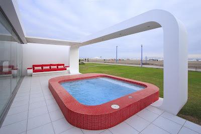 modern pool design - architectural - modern beach homes