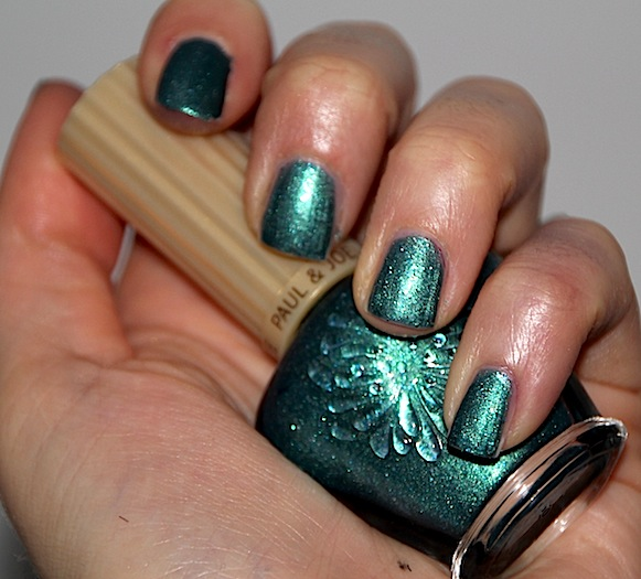 n°022 O Holy Night Paul&Joe vernis test swatch avis