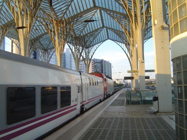 Viajar em trem de Lisboa a Paris