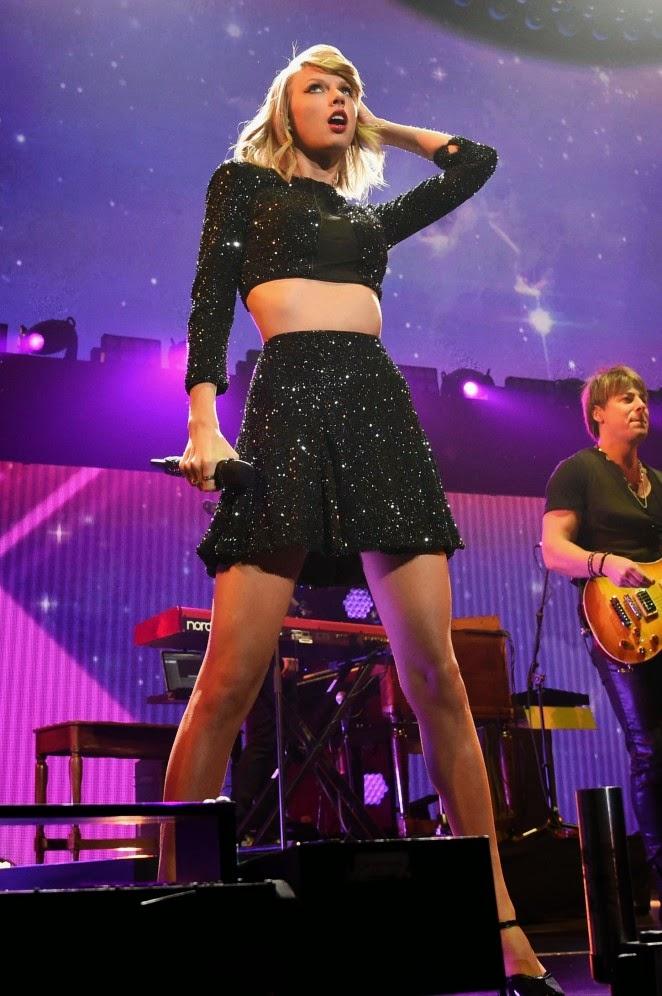 Taylor Swift attends the 2014 KIIS FM Jingle Ball in LA