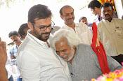 Celebs Pay Homage to Rama Naidu-thumbnail-129