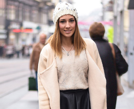 What to wear when temperatures dip close to sub-zero - few stylish street fashion inspiration to inspire your daily outfits. Petra Škoda Štrok, osobna trenerica