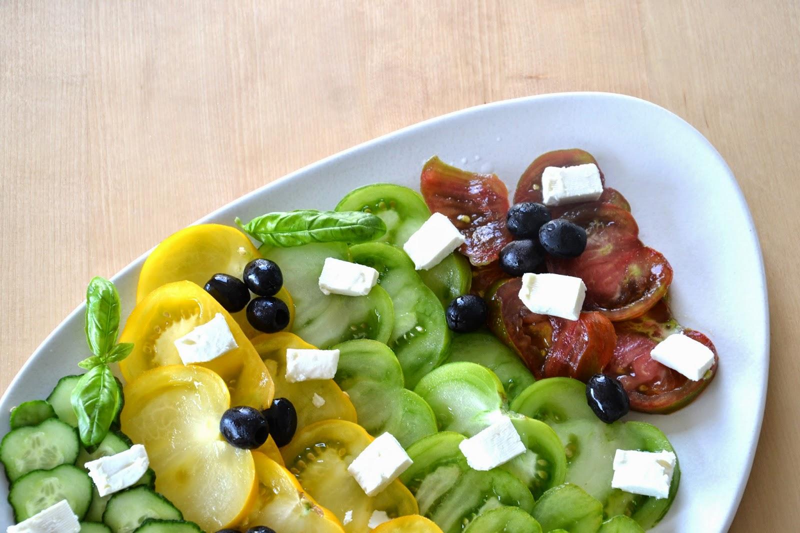 http://lesamoursperissables.blogspot.fr/2014/07/la-salade-grecque.html
