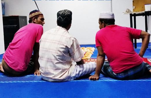 Melayu Kini Sibuk Ke Gym Mat Bangla Pula Pergi Masjid