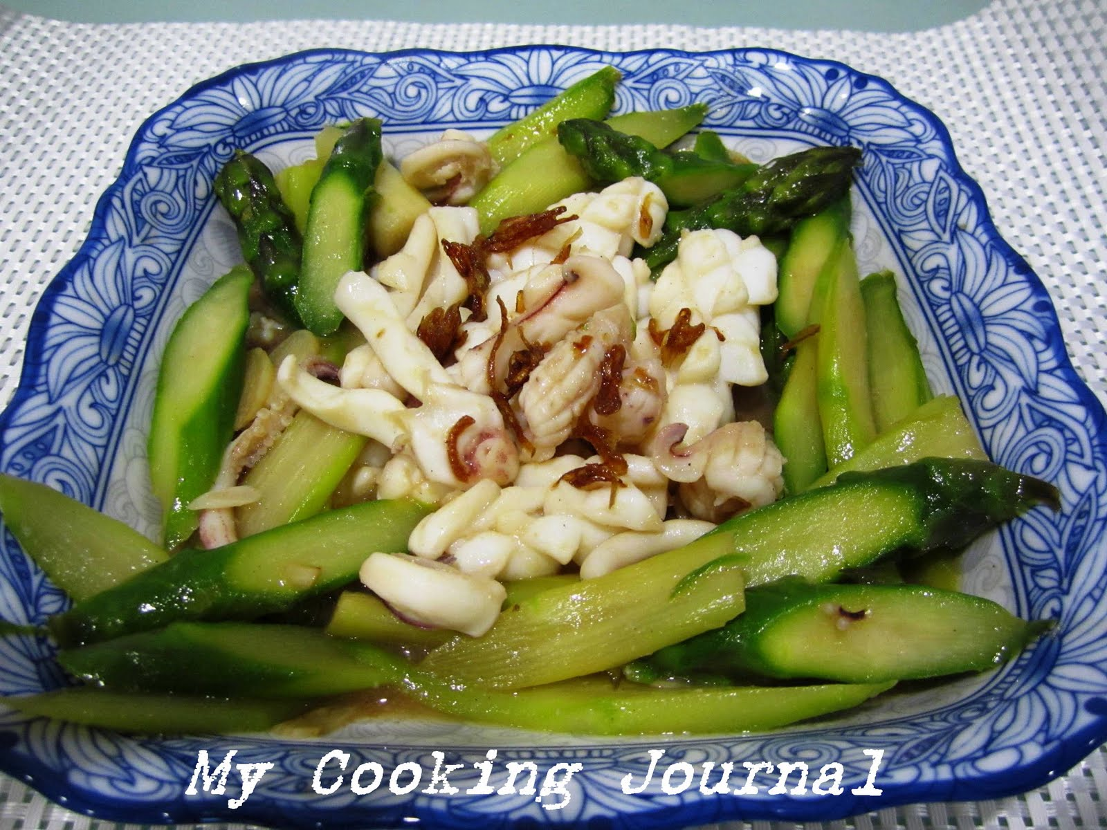 Mummyloveblog my cooking journal 21 chinese style stir fry my cooking journal 21 chinese style stir fry asparagus with fresh squid ccuart Gallery