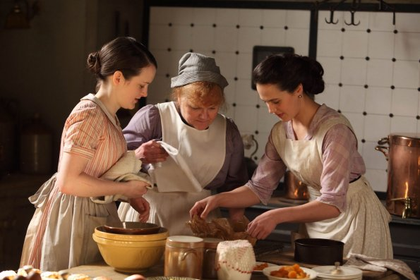 And Finally Here Is The English Country Kitchen That We See Every Sunday Night On Masterpiece Theatre I Love This Scene In Downton Abbey When Lady Sybil