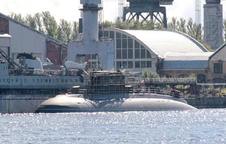 Kapal Selam Kilo Class pesaman Vietnam Tengah dikerjakan di Rusia