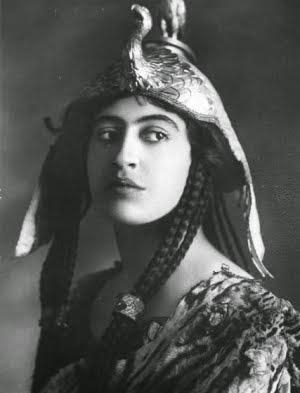Women, aging, Cleopatra, actress, Shakespeare
