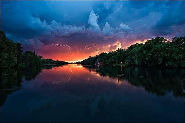صور رائعه لجمال السماء وصفاء الماء image022-750791.jpg