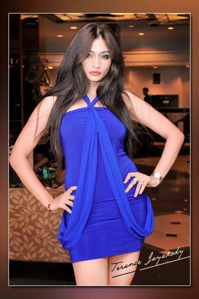 Tania Deen blue