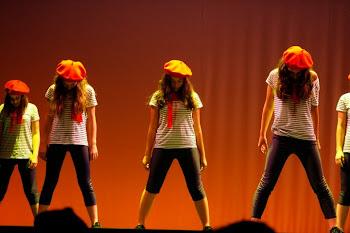 Olvidemonos de todo ,y bailemos