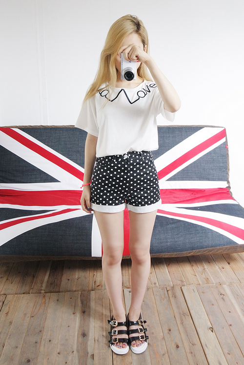 Polka Dot Patterned Cuffed Shorts