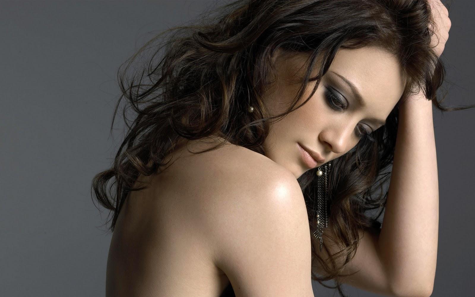 http://2.bp.blogspot.com/-V4Bsb8DT5Wg/TZNGM8ebR2I/AAAAAAAAAic/x-mVK5mjg98/s1600/Hilary+Duff+2.jpg