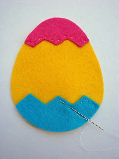Step+3+ +Zig+Zag Tutorial:  Felt Easter Egg