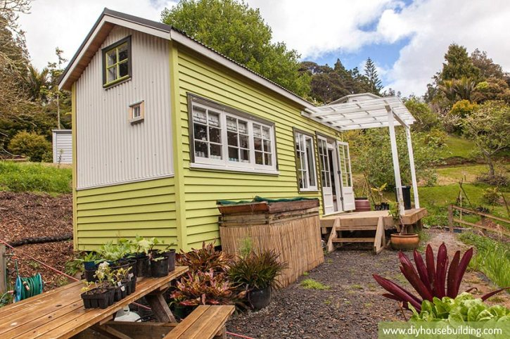Tiny house town lucy a 186 sq ft new zealand tiny house for Small house design new zealand