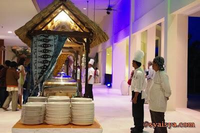 seafood%2Bdinner%2Bgolden%2Bpalm%2Btree%2B2 REVIEW PENTAX DSLR Kr + 18 55mm PINK