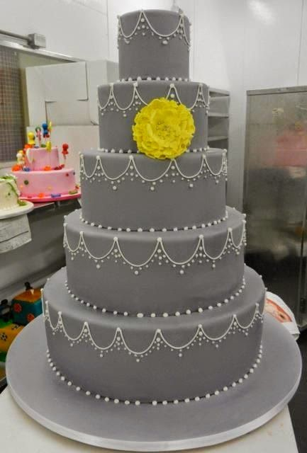 Over The Top Wedding Cakes & Cake Makers - Sonal J. Shah Event ...