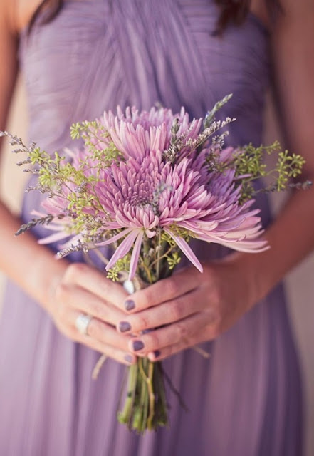 Bouquet Ideas for Purple Bridesmaid Dresses