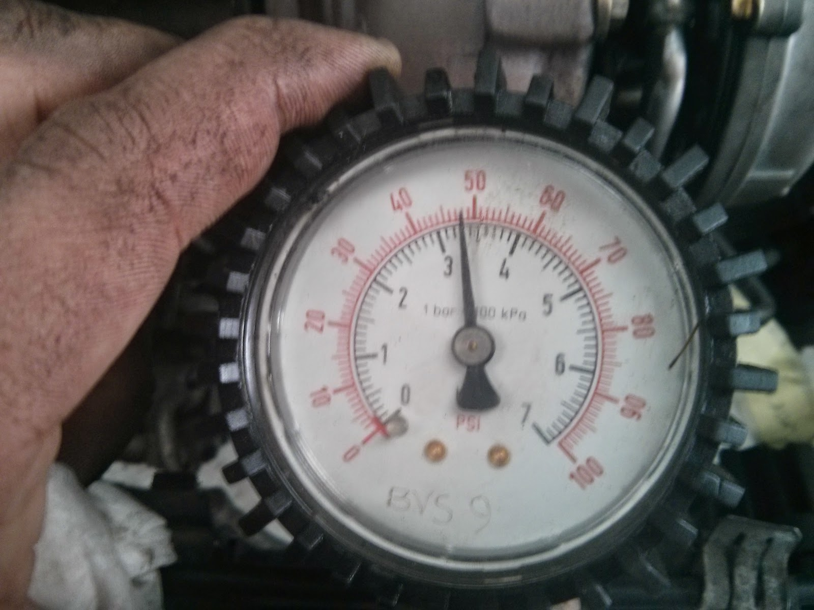 Turbo oil pressure test with gauze removed