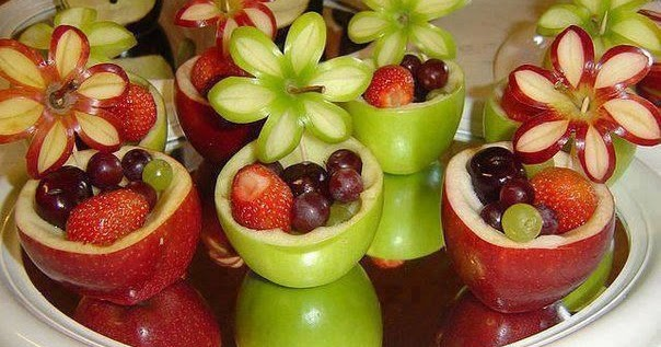 Decorative fruit salad! Started with grapes, boarded it with green ...
