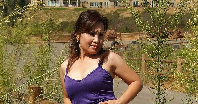 xxx nudes japan: Mature asian milf spreading her oriental