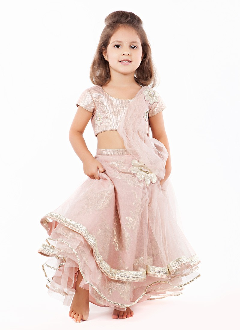 Pakistani Clothes such as dresses and Salwar Kameez for Kids and children.