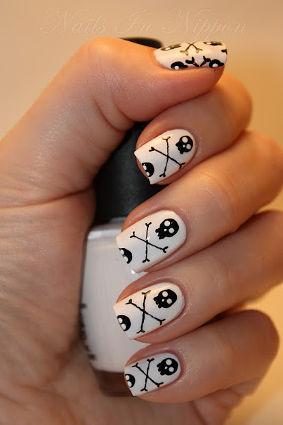 nails in nippon halloween skulls