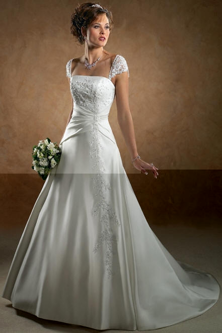 Best wedding dress designers march 2012 for Top 5 wedding dress designers