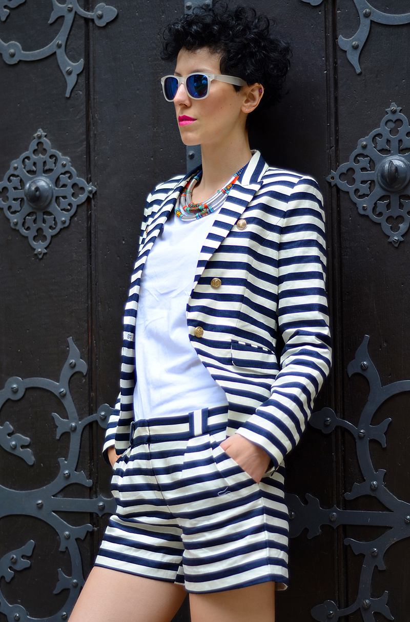 shorts striped suit
