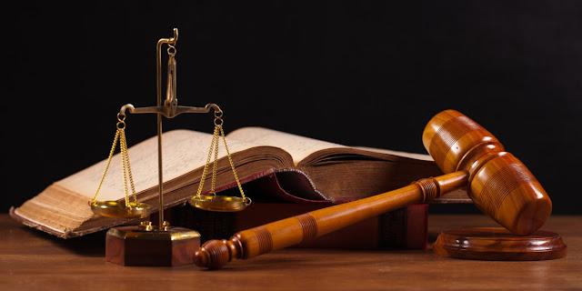 Derecho y Administracion