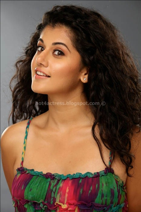 Tapasee pannu hot photoshoot images