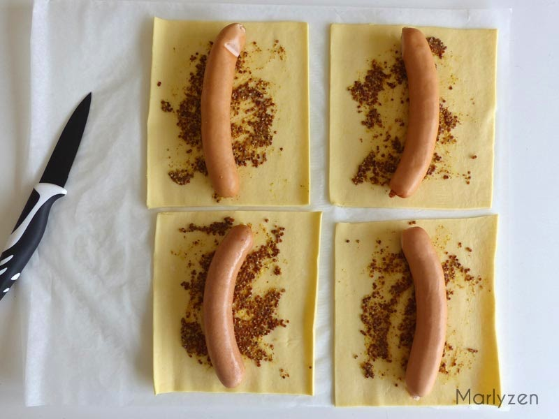 Moutarde à l'ancienne + knack d'Alsace.